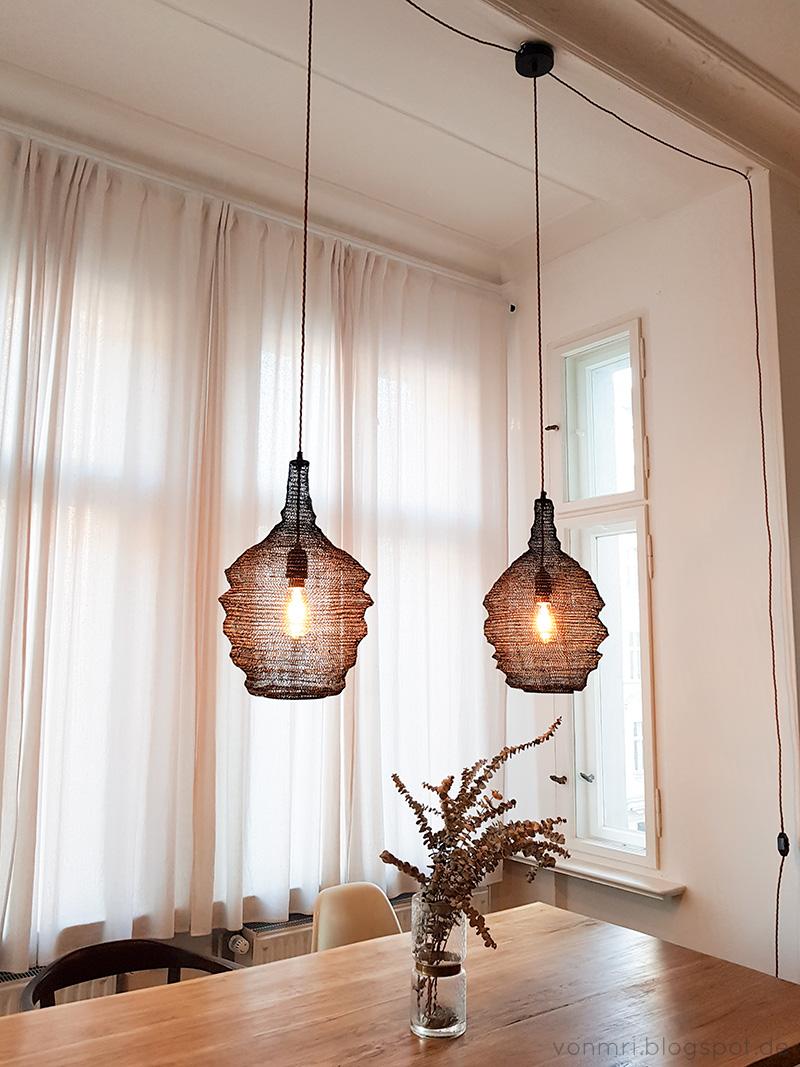 wie man trotz stahltr ger eine lampe anbringt von mri. Black Bedroom Furniture Sets. Home Design Ideas