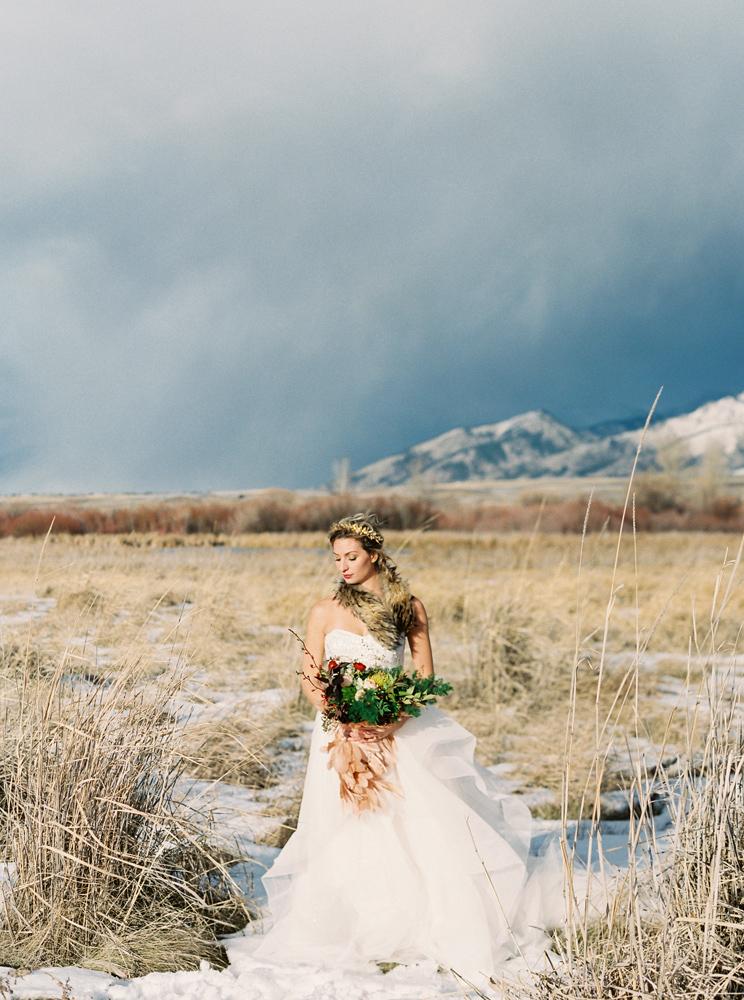 Orange Photographie / Hair & Makeup: Alexa Mae / Flowers & Styling: Katalin Green / Dress: Poppy Bride