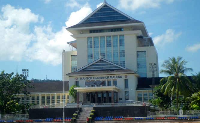 Pemerintah provinsi (Pemprov) Maluku akan memberlakukan pengisian laporan kerja tahunan dalam sistem elektronik kinerja Aparatur Sipil Negara (ASN) pada 1 April 2018.