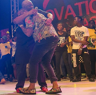 Entertainment: Davido, Dele Momodu settles two years fight