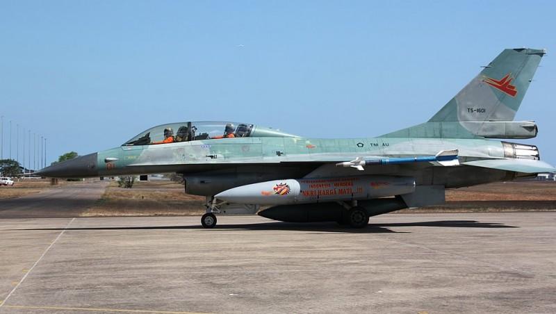 Pesawat F-16 milik TNI AU