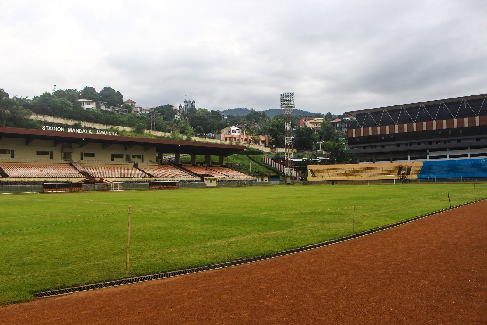 Stadion-Mandala-Jayapura.jpg