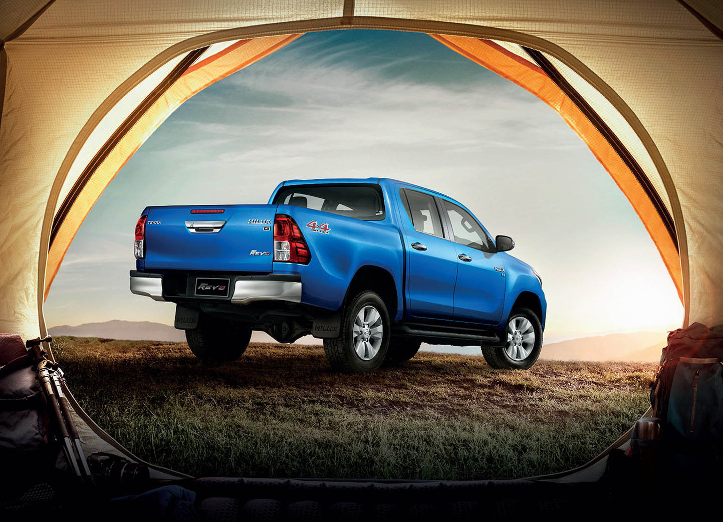 Tundra Vs Tacoma >> Toyota Hilux Goes To Thailand For A Rugged Facelift | Carscoops