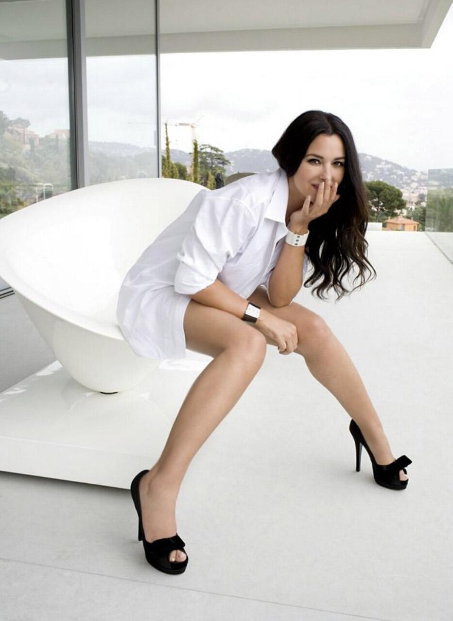 HOT PHOTOS: Monica-Bellucci Hot Photo Shoot..!