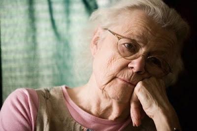 Bệnh teo não ở người già