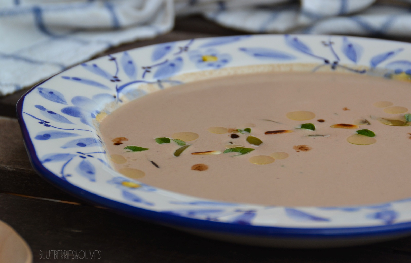 BLACK GARLIC AND NUTS COLD SOUP
