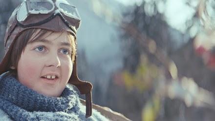 EATKARUS - Die bewegende Geschichte eines kleinen Jungen, der sich seinen Traum vom Fliegen erfüllt.