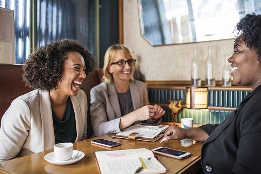 Tips para mantener una actitud positiva en lo laboral