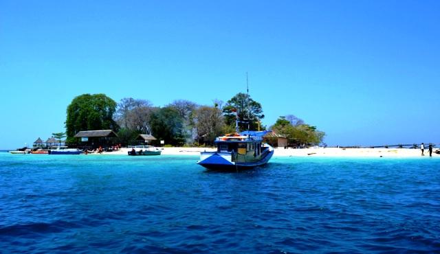 harga sewa perahu motor bervariasi tergantung tujuan dan sifat penyewaan terdapat dua yakni bersifat pribadi atau umum