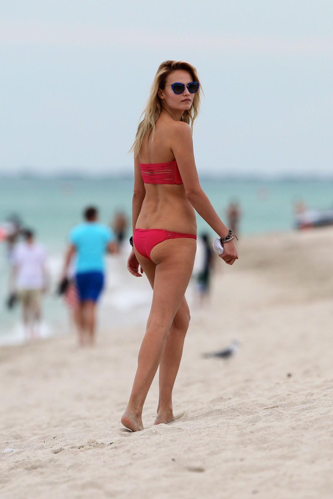 Bikini Natasha Poly nudes (63 foto and video), Pussy, Bikini, Instagram, swimsuit 2006