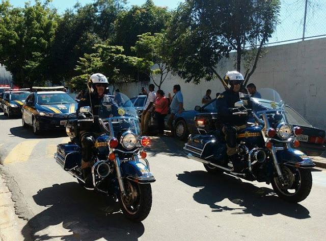 PRF participa de desfile cívico no aniversário de São Lourenço da Serra