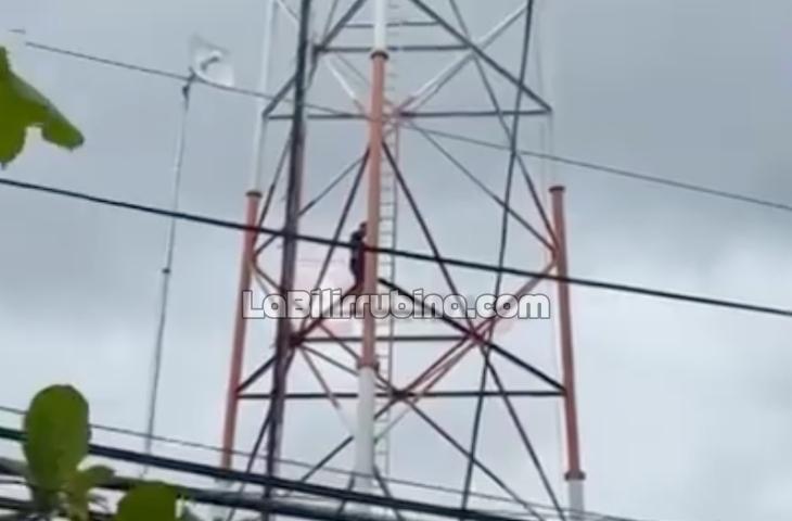 [Video] Joven intenta lanzarse desde antena telefónica en Tenares