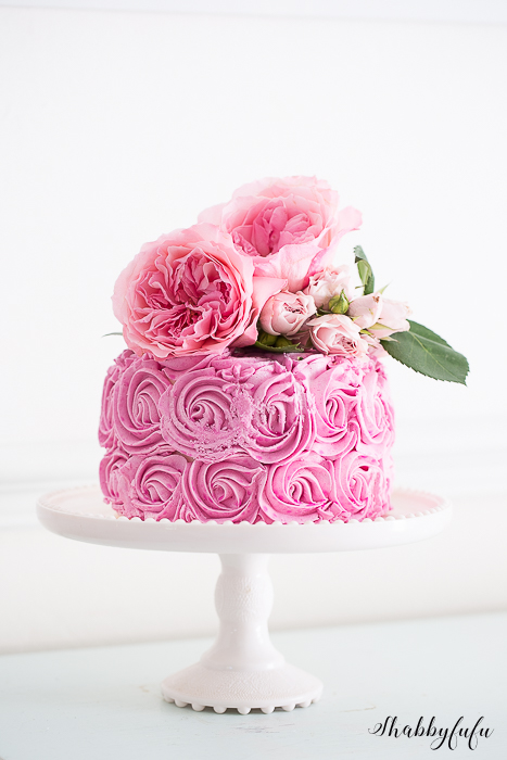 flower-topped-pink-cake