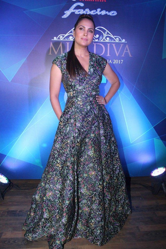 Lara Dutta at 1st Ever Bloggers Meet Of Yamaha Fascino Miss Diva Miss Universe India 2017