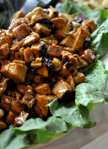 Marinated-Chicken-for-Mandarin-Salad-West-Avenue-Grille-Jenkintown-PA-tasteasyougo.com