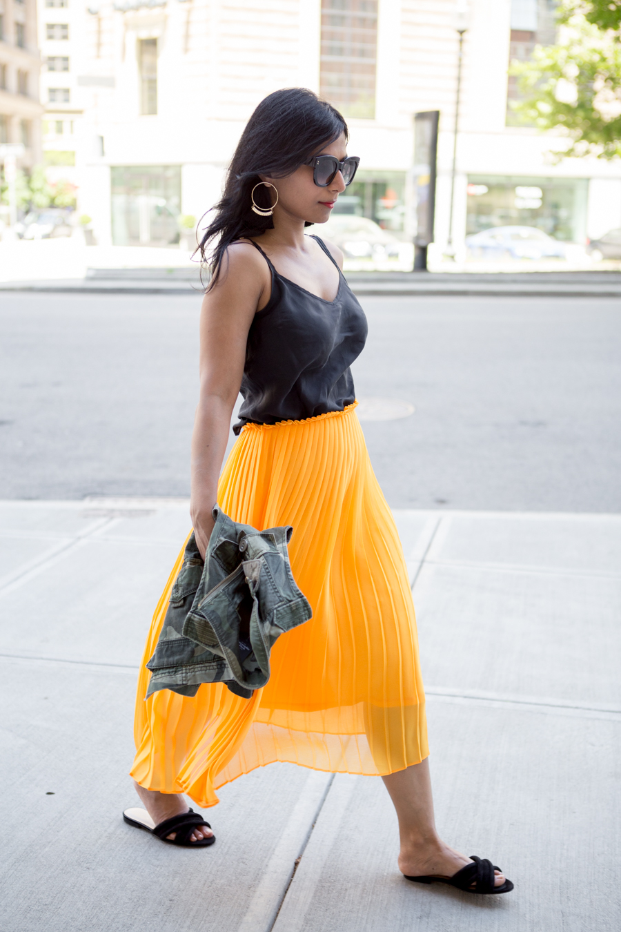 ann taylor, taxi cab yellow, marigold, pleats, midiskirt, urban chic, edgy, trendy, feminine style, style tips, style hunter, stylist, petite fashion, abercrombie, affordable style, style remix, petite blogger, boston blogger, boston back bay