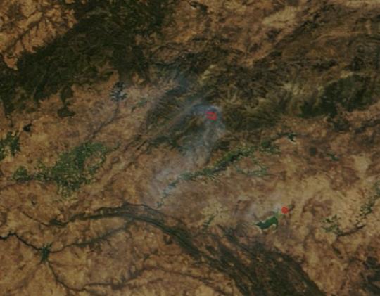 https://lance.modaps.eosdis.nasa.gov/imagery/subsets/?subset=AERONET_Autilla.2016234.terra.250m.jpg&vectors=fires