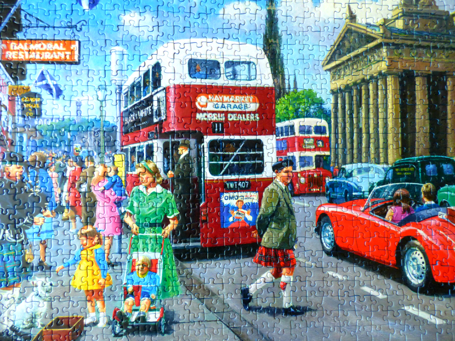 Chez Maximka: Happy Days Edinburgh 1000 pc puzzle from Ravensburger