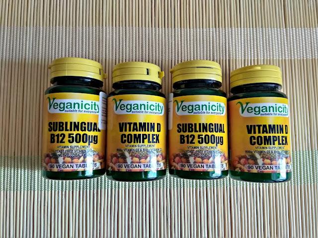 wegańskie jedzenie, co jedzą weganie, urban vegan, witamina B12, witamina D3