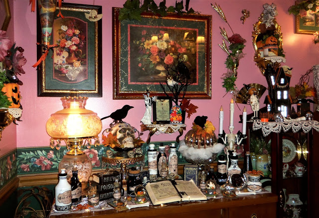 Witch's Brew and Potion Station in the Dining Room 2019