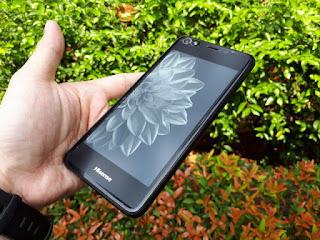 Hape Unik Hisense A2 Android 2.5D Dual LCD Screen RAM 4GB LTE Fingerprint