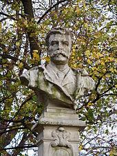 Buste de G.de Maupassant au Parc Monceau à Paris