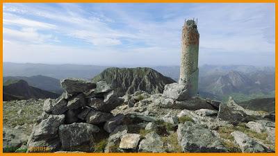 Vistas desde la cumbre de Peña la Cruz en el Macizo del Mampodre.
