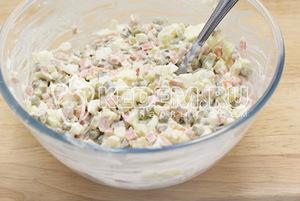 """салат """"Оливье"""", заливное, салат заливной, блюда новогодние, рецепты, рецепты новогодние, рецепты праздничные, салат с ветчиной, салат новогодний, салат с мясом, салат с яйцами, салаты, салат слоёный, стол новогодний,"""