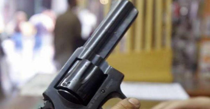 Profesores de Florida en Estados Unidos podrán portar armas en las aulas