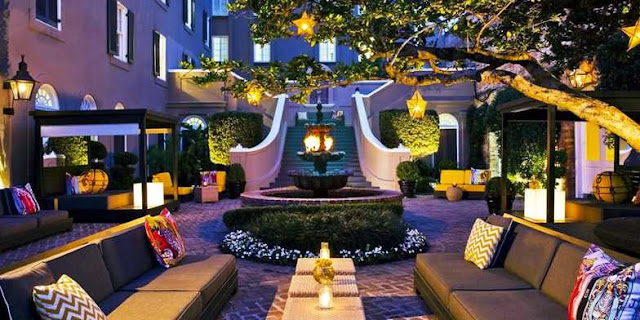 Recharge and renew at W New Orleans French Quarter. This luxury hotel in the French Quarter of New Orleans offers a compelling stay close to attractions, nightlife, shopping and dining.