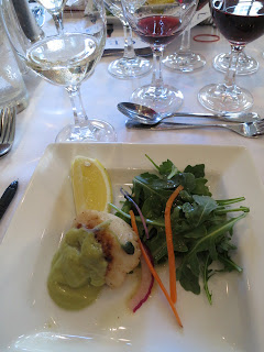 "Seared Scallop with Avocado Purée accompanied by 2011 Côtes du Rhône ""La Truffière"""