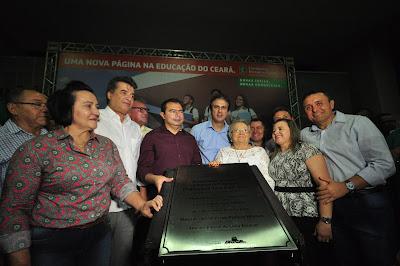 CAMILO SANTANA E PREFEITA ROZÁRIO XIMENES ENTREGAM OBRAS EM CANINDÉ.