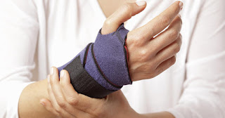 Purple Glove Syndrome Definition, Pictures, Symptoms, Causes, Treatment