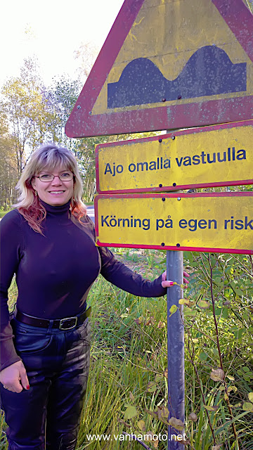 Isot rinnat, nahkahousut, big breasted, leather pants, ajo omalla vastuulla, drive at your own risk