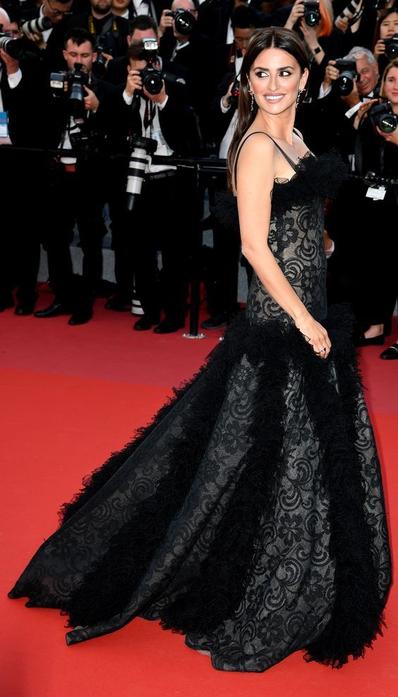 Penelope Cruz in Elegant Dress by Chanel - Image 14