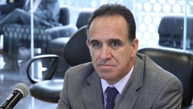 Confirman orden de detención contra otro exministro de Correa