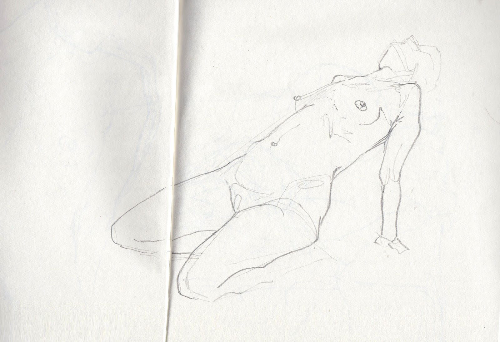 Tingrynade / croquis et recherches  - Page 15 Img15000083