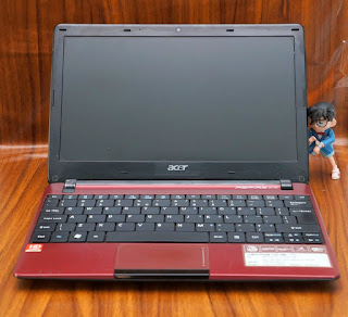 Jual Netbook bekas Acer AO722