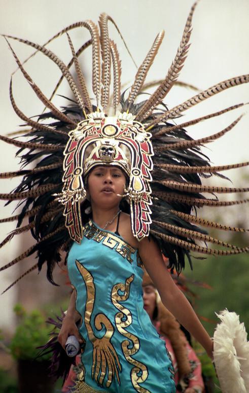 a28fad79e4 Trajes aztecas