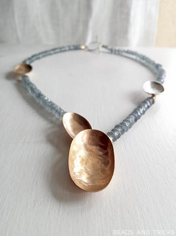 Collana in agata, argento e ottone