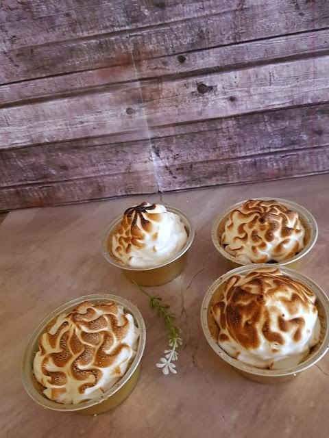 tartaletas-de-ciruela-y-merengue, plum-tarts-with-meringue