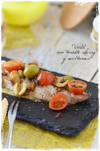 Verdel con tomate cherry y aceitunas