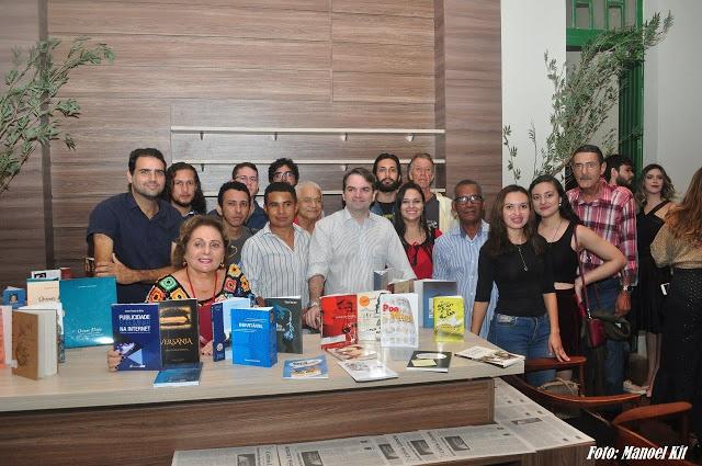 Chavalense participa de encontro de escritores em Parnaíba