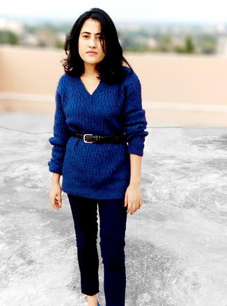 blue v-neckline sweater ,black leather belt