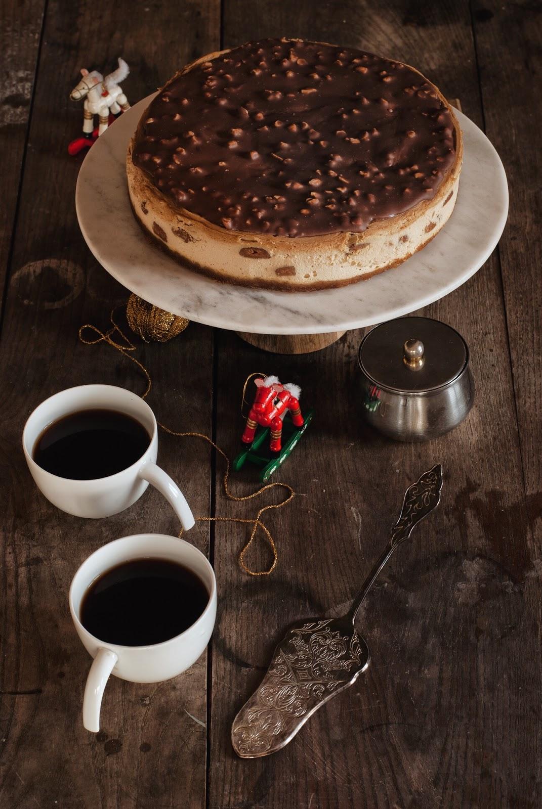 Sernik Speculoos z polewą czekoladową