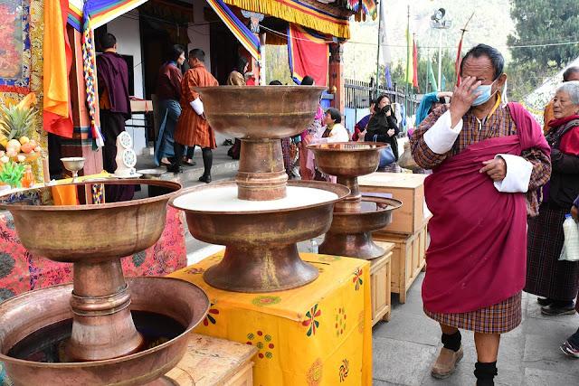 Monasterio budista, un punto de llegada de peregrinos en Bután.