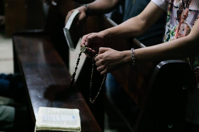 Origem do Santo Terço e Ave Maria uma Oração Evangélica