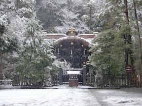 雪の白旗神社