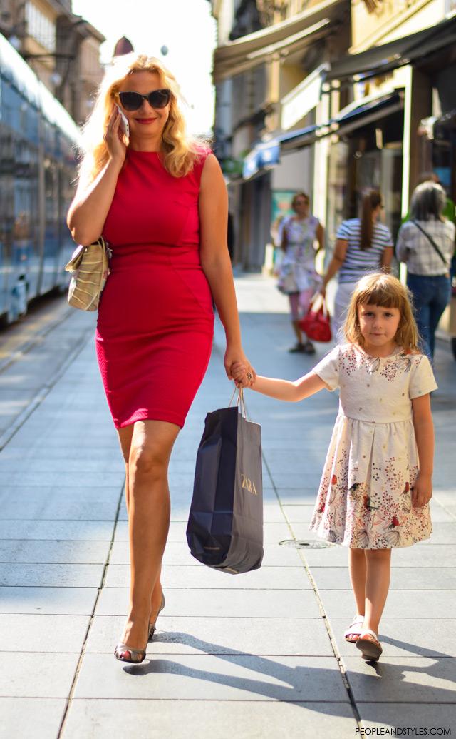 Milana Vuković Runjić, kako kombinirati crvenu pripijenu haljinu, street style, ulična moda rujan 2015, Zagreb by peopleandstyles.com