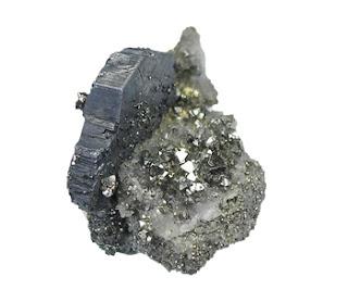 La bournonita se muestra en cristales tabulares, estriados y en forma de ruedas